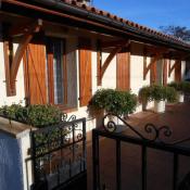 Jau Dignac et Loirac, Maison en pierre 5 pièces, 185 m2