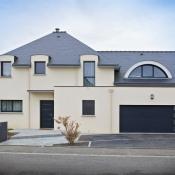 1 Bourg-des-Comptes 150 m²