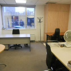 Location Bureau Clichy 42 m²