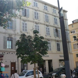 Location Local commercial Marseille 1er 38,43 m²