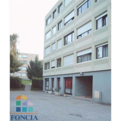 Location Local commercial Ferney-Voltaire 64,84 m²