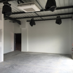 Location Local commercial Pantin 220 m²