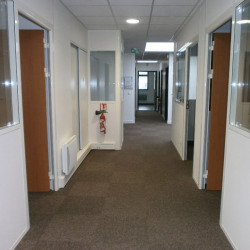 Location Bureau Servon 200 m²