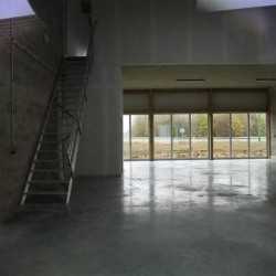 Location Local commercial Gazeran 428 m²