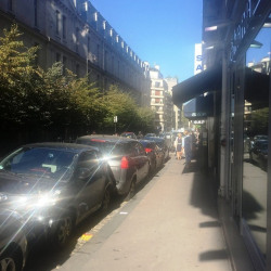 Location Local commercial Paris 16ème 25 m²