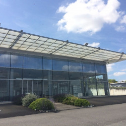 Location Local commercial Gond-Pontouvre 330 m²