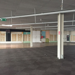 Location Local commercial Saint-Maximin 1200 m²