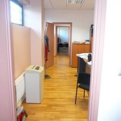 Location Bureau Brindas 220 m²