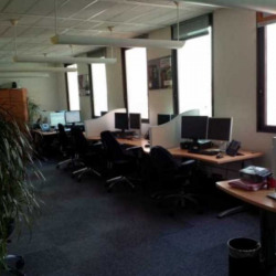 Location Bureau Paris 20ème 2200 m²