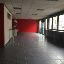 Location Bureau Villejust 220 m²