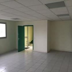 Location Entrepôt Achères 3136 m²