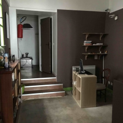 Location Local commercial Paris 11ème 85 m²