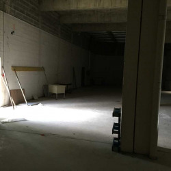 Location Local commercial Laval 1279 m²
