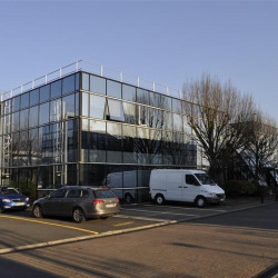 Location Bureau Roissy-en-France 928 m²