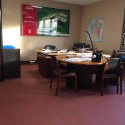 Location Bureau Villejust 168 m²