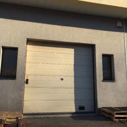 Location Local d'activités Plaisir 238 m²