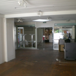 Location Local commercial Varennes-Vauzelles 80 m²