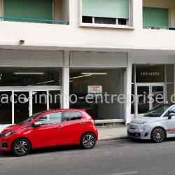 Location Local commercial Nice 450 m²