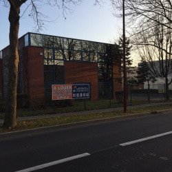 Location Local commercial Gonesse 320 m²