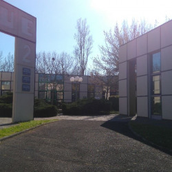 Location Bureau Labège 61 m²
