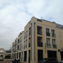 Location Local commercial Versailles 105 m²