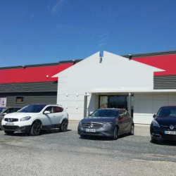 Location Local commercial Théza 1500 m²