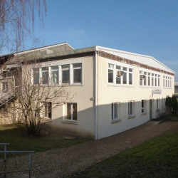 Location Local commercial Gaillon 140 m²