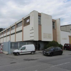 Location Entrepôt Saint-Laurent-du-Var 1790 m²