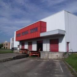 Location Entrepôt Épône 5255 m²