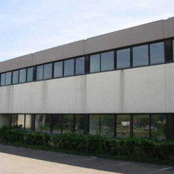 Vente Local d'activités Buc 2796 m²