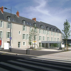 Location Local commercial Nevers 74 m²