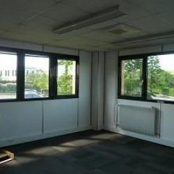 Location Bureau Saint-Genis-Laval 101 m²
