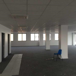 Location Bureau Saint-Maximin 841 m²