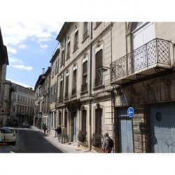 Location Local commercial Avignon 82,83 m²