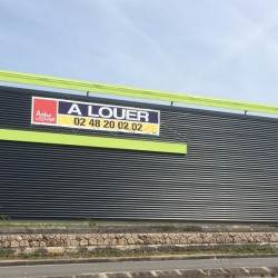 Location Local commercial Bourges 492 m²