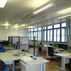 Location Bureau Vaulx-en-Velin 110 m²