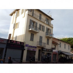 Location Local commercial Cannes 29,65 m²