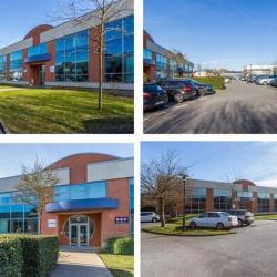 Location Bureau Voisins-le-Bretonneux 879 m²
