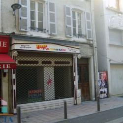 Location Local commercial Pau 56,61 m²