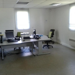 Location Bureau Le Petit-Quevilly 925 m²