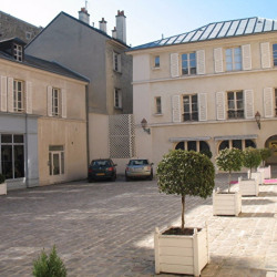 Location Local commercial Versailles 81 m²