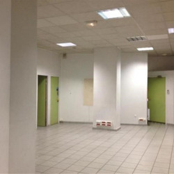 Location Local commercial Roussillon 483 m²