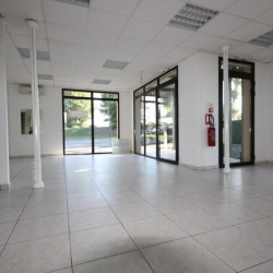 Location Local commercial Tocane-Saint-Apre 62 m²