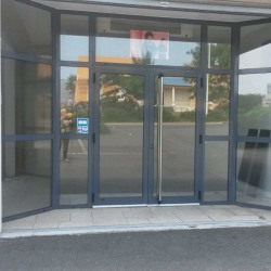 Location Local commercial Saintes 0 m²