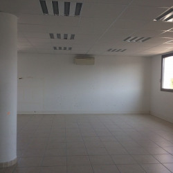 Location Local commercial Antibes 126 m²