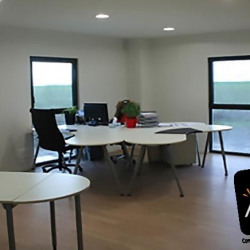 Location Bureau Mainvilliers 159 m²