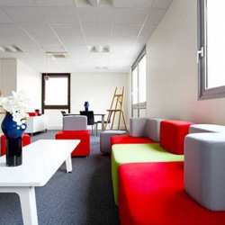 Location Bureau Montigny-le-Bretonneux 760 m²