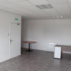 Location Local d'activités Saint-Pierre-du-Perray 125 m²