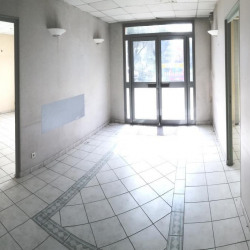 Location Bureau Grasse 162 m²