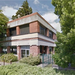 Location Local commercial Avon 159 m²